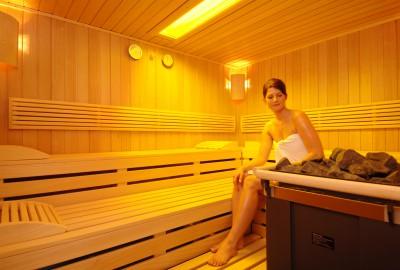 wellnesshotel in hannover fitness und sauna. Black Bedroom Furniture Sets. Home Design Ideas