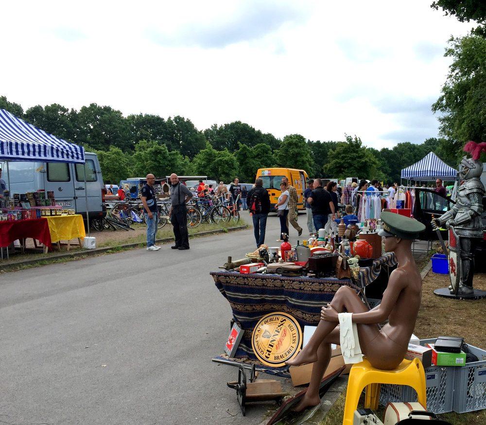 Flohmarkt auf der Pferderennbahn Langenhagen